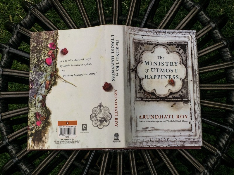 sách The Ministry of Utmost Happiness